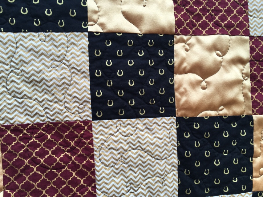 Online Market Quilt Showcase 11 – Stadium/School Colors Quilts