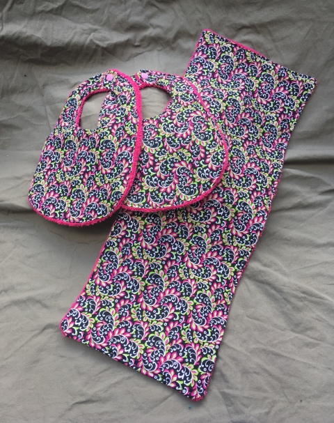 Trendy Pink bib set
