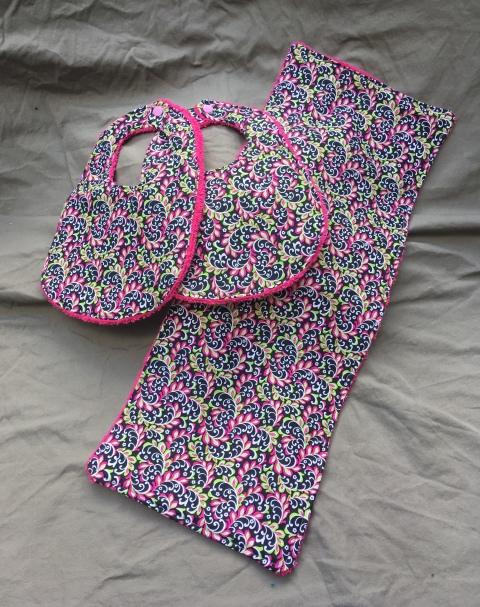 Trendy Pink bib set