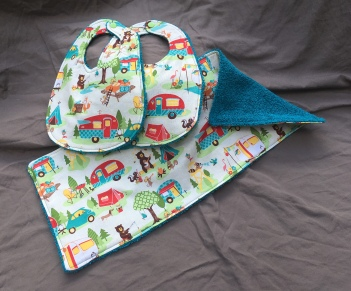 Little Campers bib set