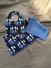 Dr. Who bib set