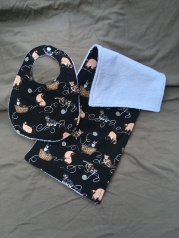Cat bib set