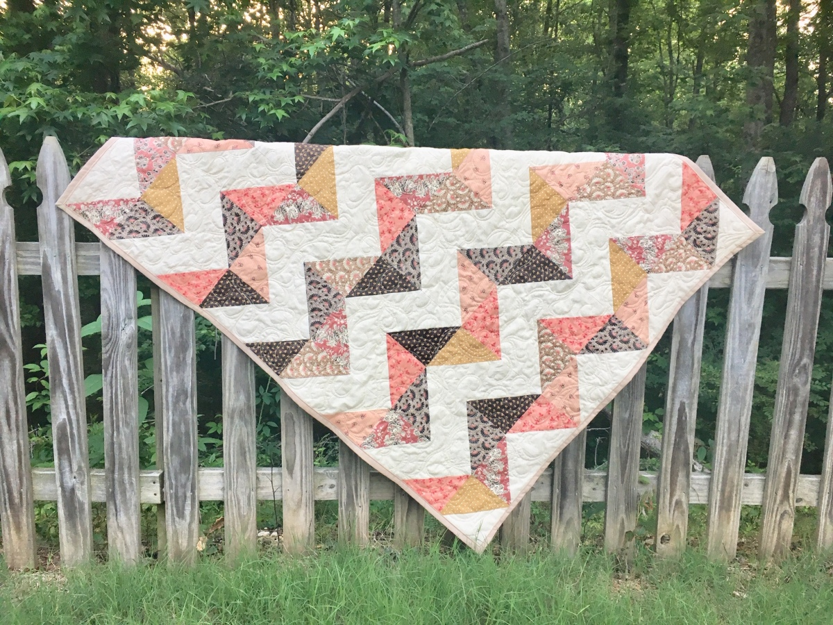 Online Market Quilt Showcase 1 – the Shabby Chic duo